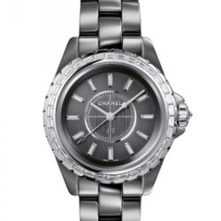 Ремонт часов Chanel H2912 J12 Black J12 Chromatic Diamond Baguette 33 mm H2912 в мастерской на Неглинной
