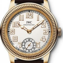 Ремонт часов IWC IW325403 Vintage Pilot`s Watch Hand-Wound в мастерской на Неглинной